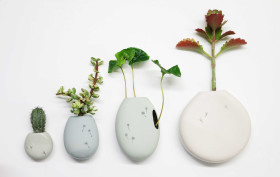 Studio Harm en Elke, ceramic flower pot, Wall flowers, glazed ceramic, small plants vessel, ceramic wall pocket, Design Academy of Eindhoven, Sectie-C, Eindhoven, Dutch design