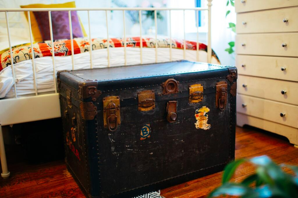 6SQFT-Amy-Sprague-trunk