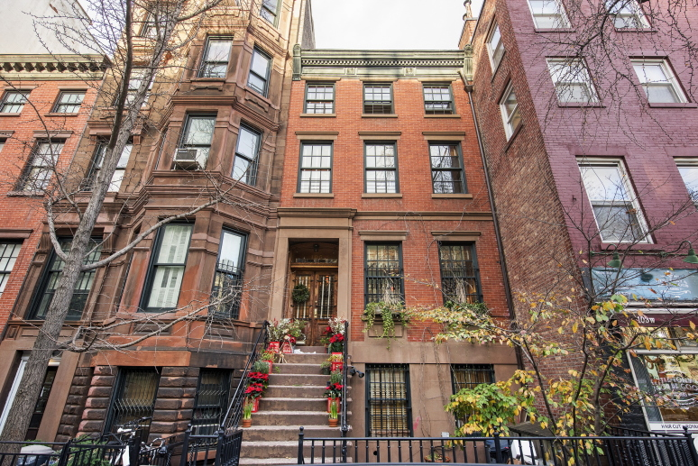 Restaurateur keith mcnally s greenwich village townhouse for Townhouses for sale in manhattan ny