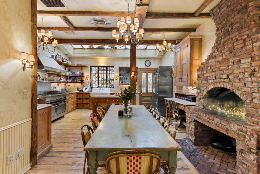 Restaurateur keith mcnally s greenwich village townhouse for Apartments for sale in greenwich village nyc