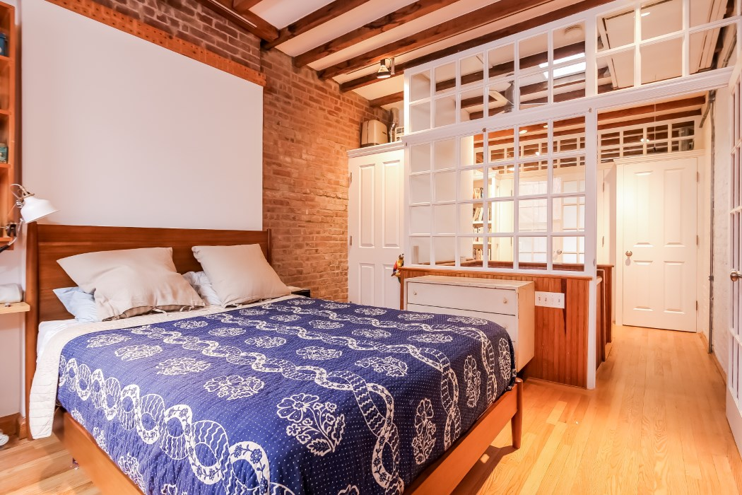 8 warren place, master bedroom, warren place mews, cobble hill