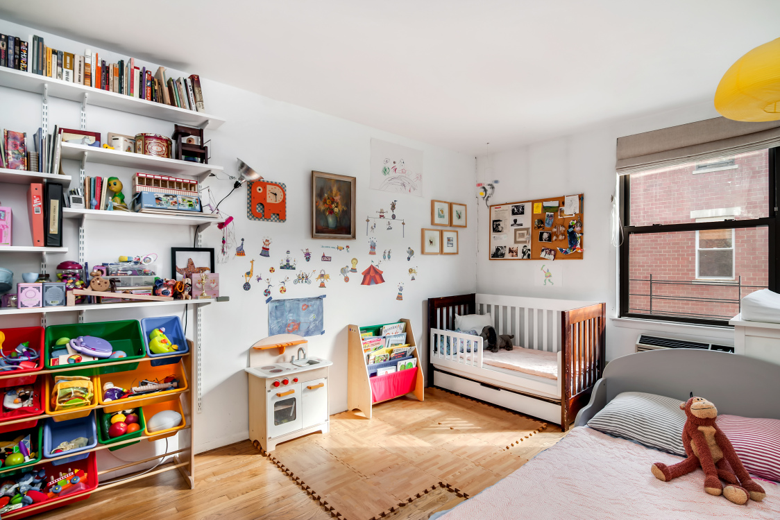 211 berry street, second bedroom, two-bedroom condo, williamsburg
