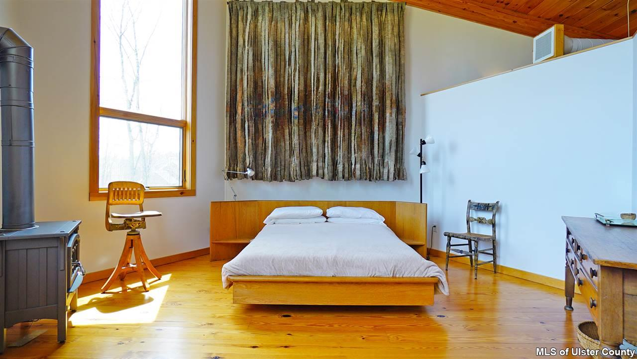 106 mountain laurel lane, master bedroom, catskills, geometric dome house