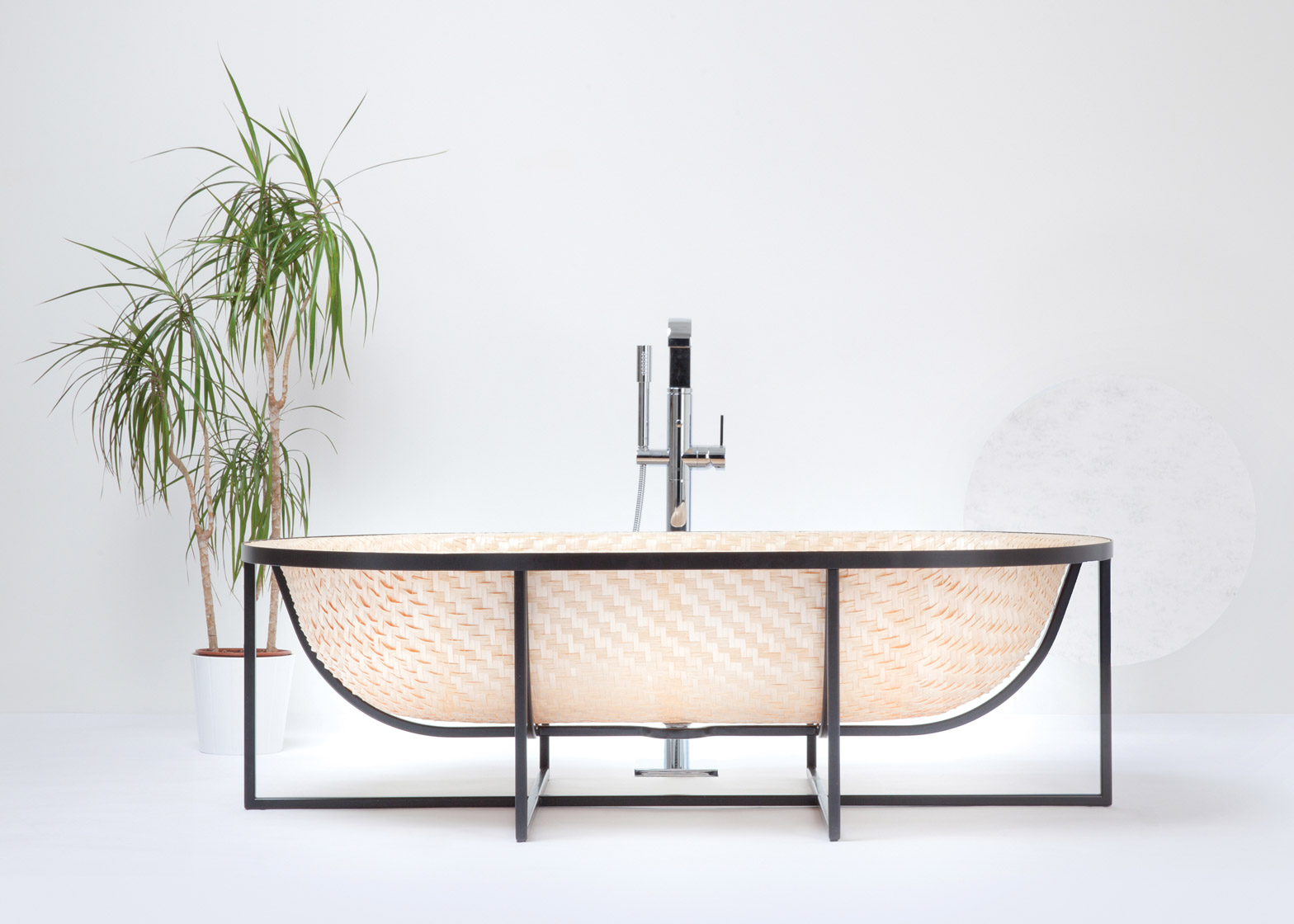 Beautiful Bathtub Is Made from Woven White Ash and Maple Veneer | 6sqft