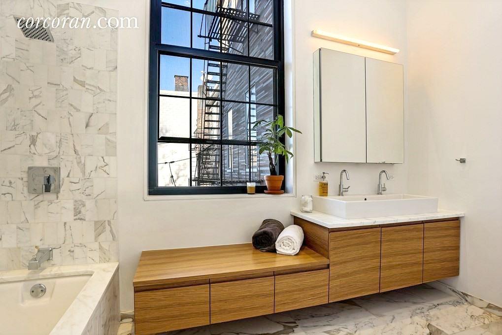 541 Leonard Street, master bathroom
