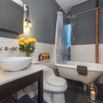 242 West 104th Street, bathroom
