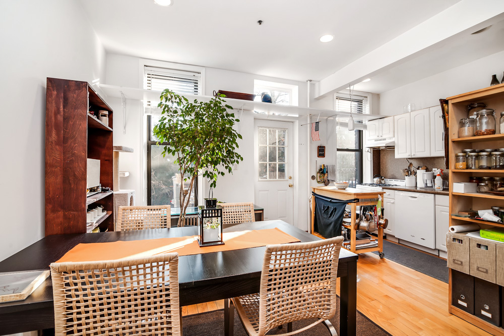 This 1 2m Row House Is In A Charming Historic Oasis Amid The Rooftop Pools Of Lic 6sqft