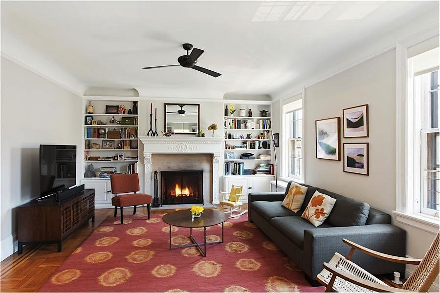 Pre War Apartment In One Of Jackson Heights Prominent Courtyard Co