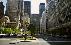 view of metlife building from the south on park avenue