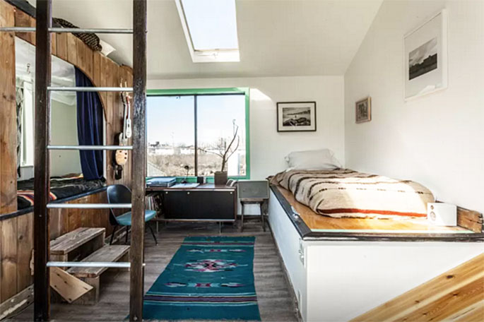 rockaway houseboat, bedroom