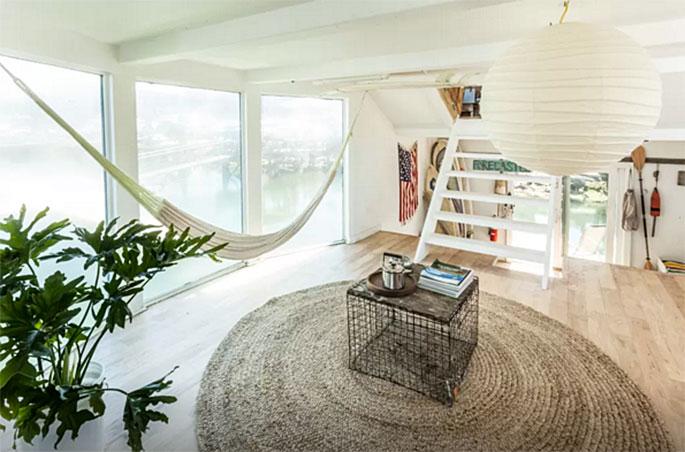 rockaway houseboat, airbnb, hammock