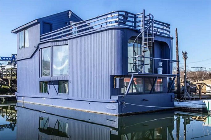 Funky Rockaway Houseboat Dubbed 'Ziggy Stardust' Now Renting for