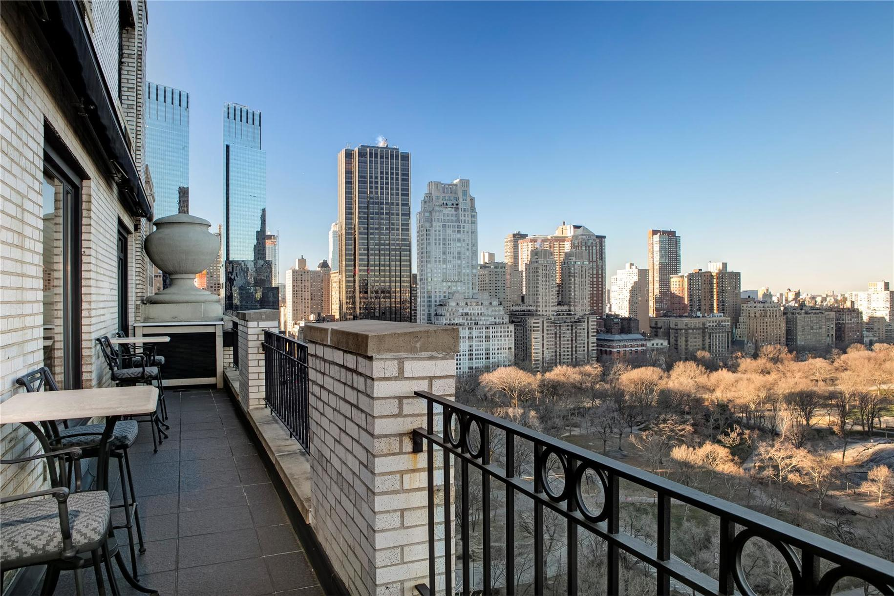 Luciano pavarotti s 10 5m pied terre and next door unit for New york balcony view