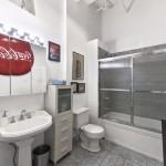 448 West 37th Street, bathroom