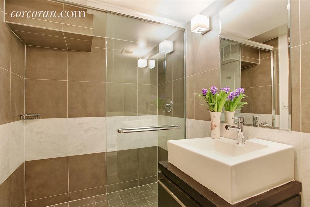 735 dean street, bathroom, brooklyn, prospect heights, firehouse