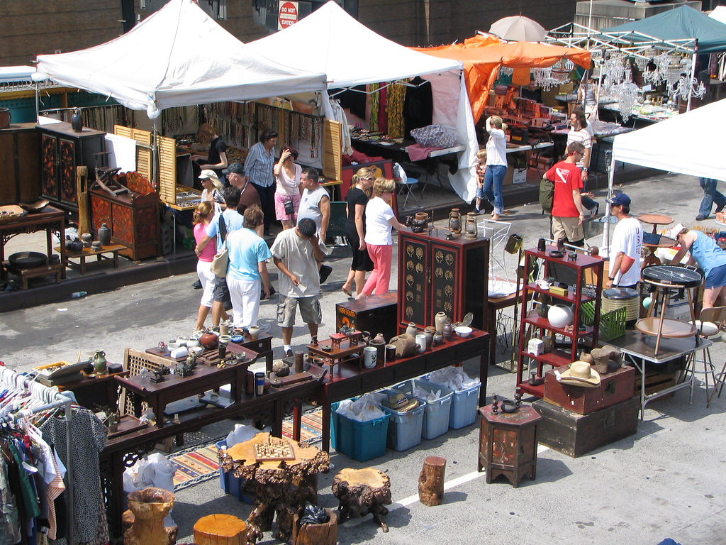 Flea Markets, Food Markets, Craft Markets, Brooklyn Flea, Long Island City Flea and Food, Queens Night Market, Shwick, Bushwick Flea, Chelsea Flea, Hells Kitchen Flea, Stoop Sale, Smorgasburg, Hester Street Fair,