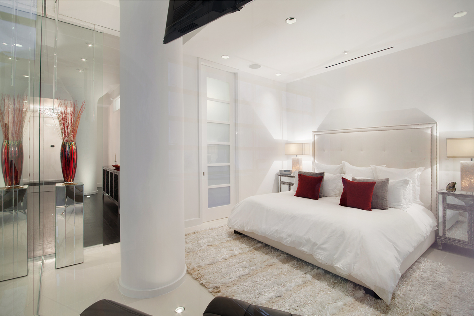 Tribeca Condo With Two Voyeuristic Glass-Enclosed Bedrooms Asks ...