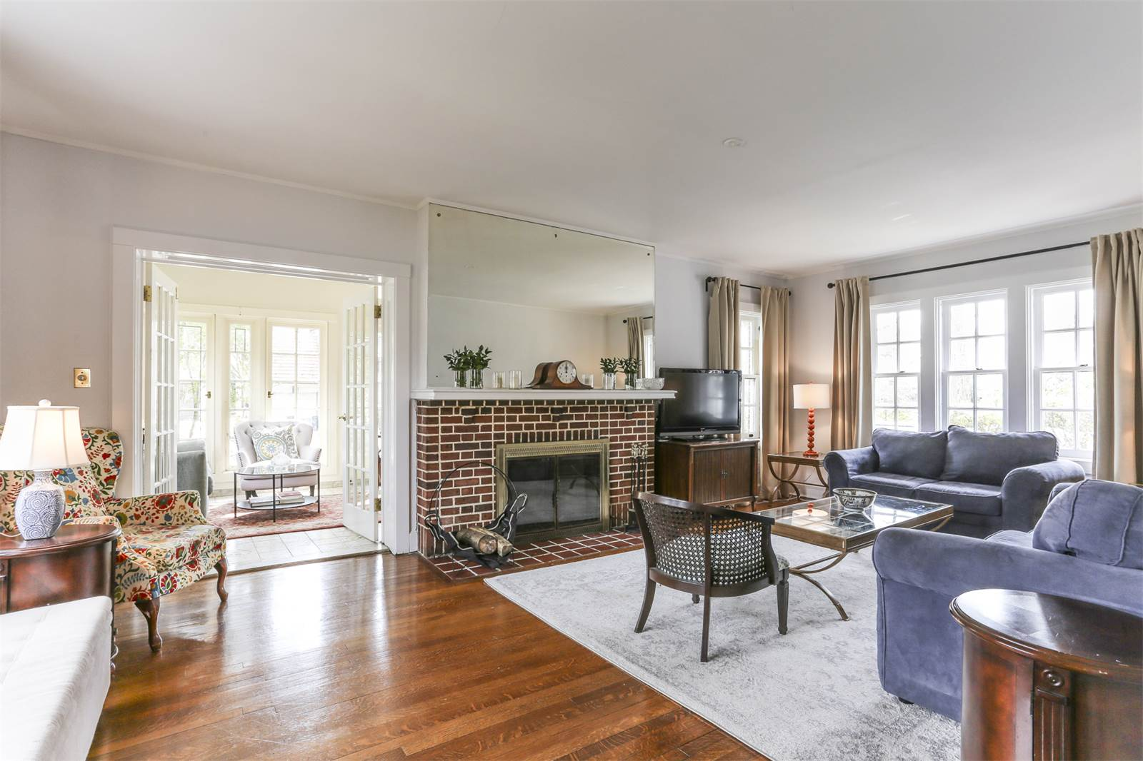 63 Wendover Street, living room, fireplace,