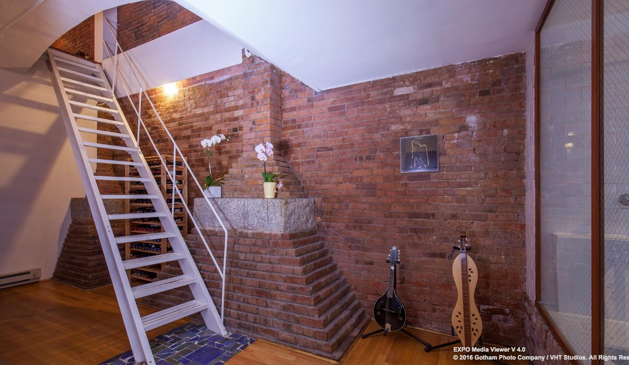 156 Franklin Street Stairs