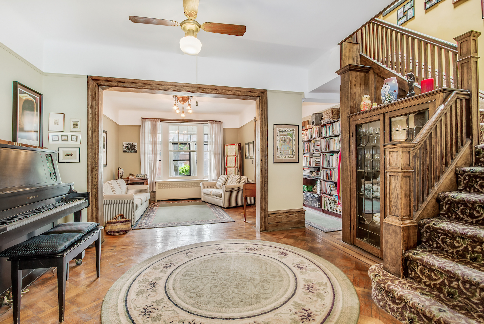 Spend Summer On The Sun Porch In This 2 25m Craftsman