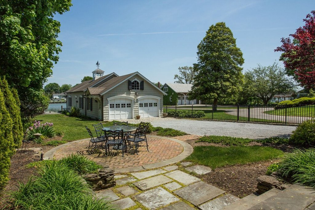 owner selling house
