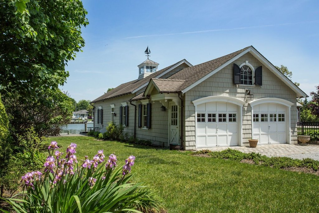 Long Island S Amityville Horror House Finds A Brave Buyer 6sqft