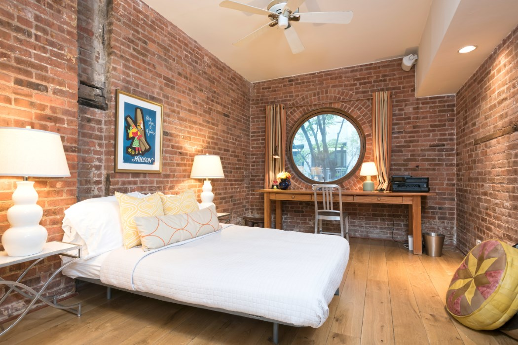 49 Downing Street, horse stable, greenwich village, bedroom