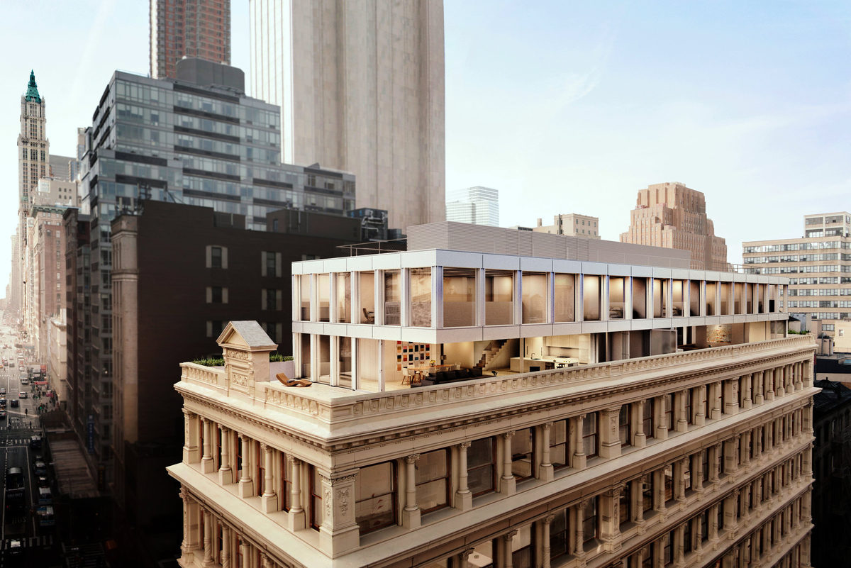 Shigeru ban 39 s cast iron house tops out raises the bar for for Modern house new york
