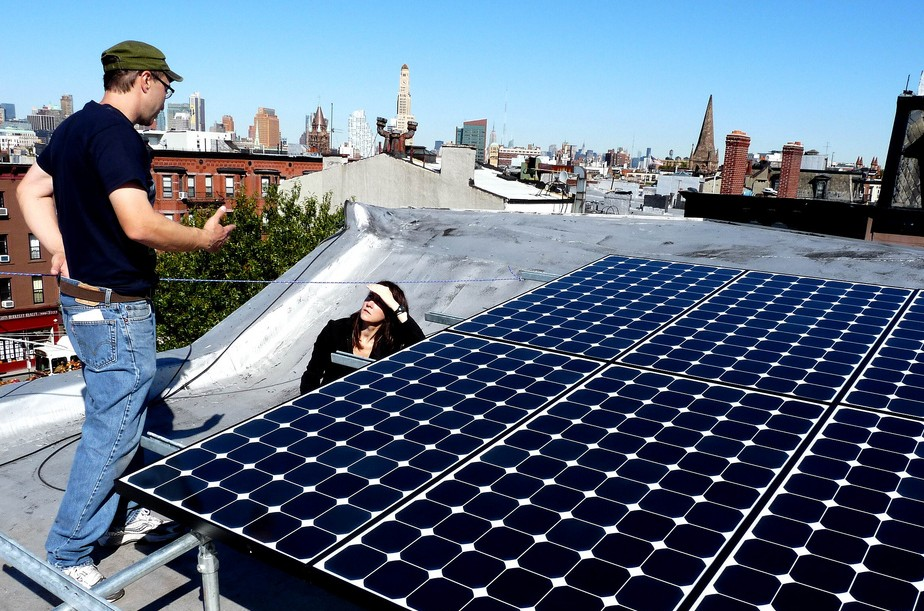 Con Ed Will Offer Rooftop Solar Panels To 300 Nyc Homes