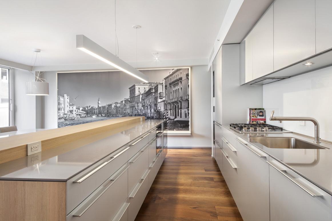 16 Warren Street PH Kitchen 2