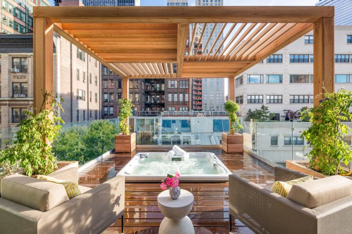 Tribeca Triplex Penthouse With Rooftop Hot Tub Swaps