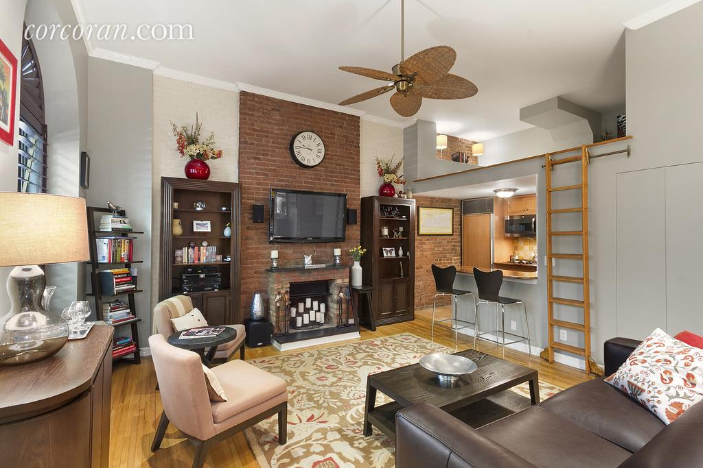 61 West 68th Street, Upper West Side, living room, co-op, parlor floor