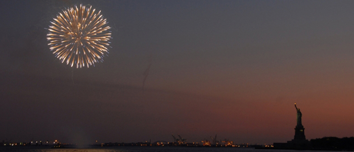 4th-of-july-fireworks-statue-of-liberty