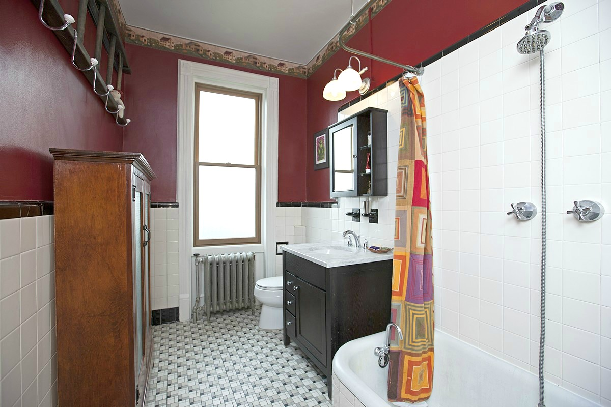 455 37th Street Bathroom 1