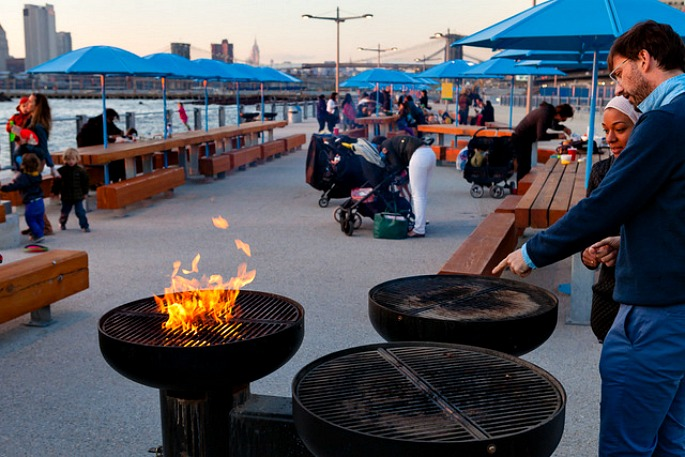 Grill stations near Pier 5 in Brooklyn Bridge Park