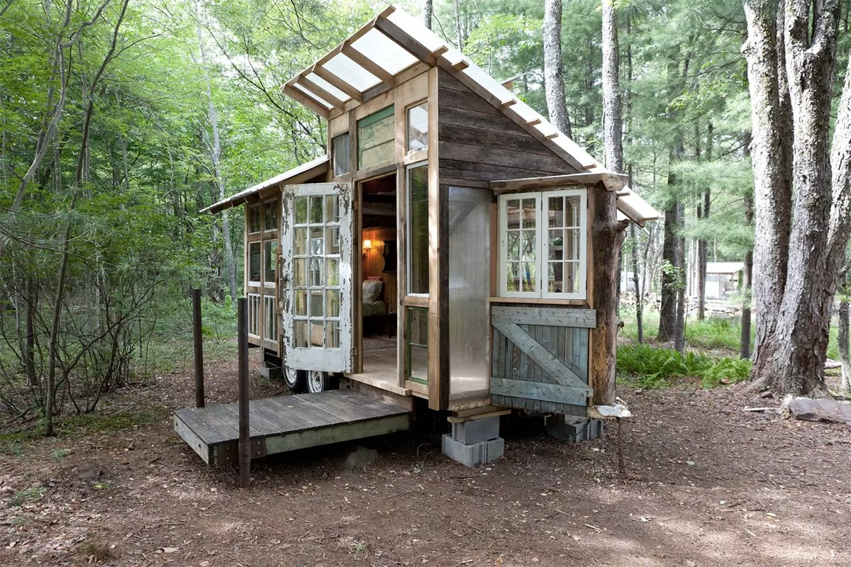 127 square foot tiny house in the catskills fits three for for Micro cottage builders