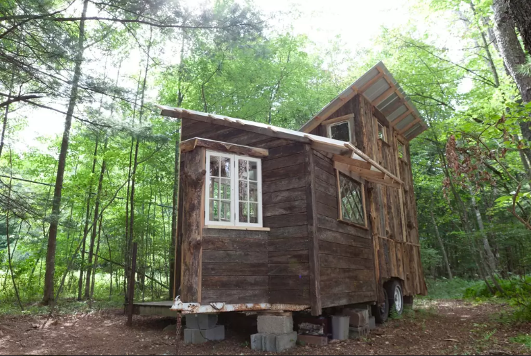 Catskills new york tiny house cabin 6sqft for Cabins in the catskills