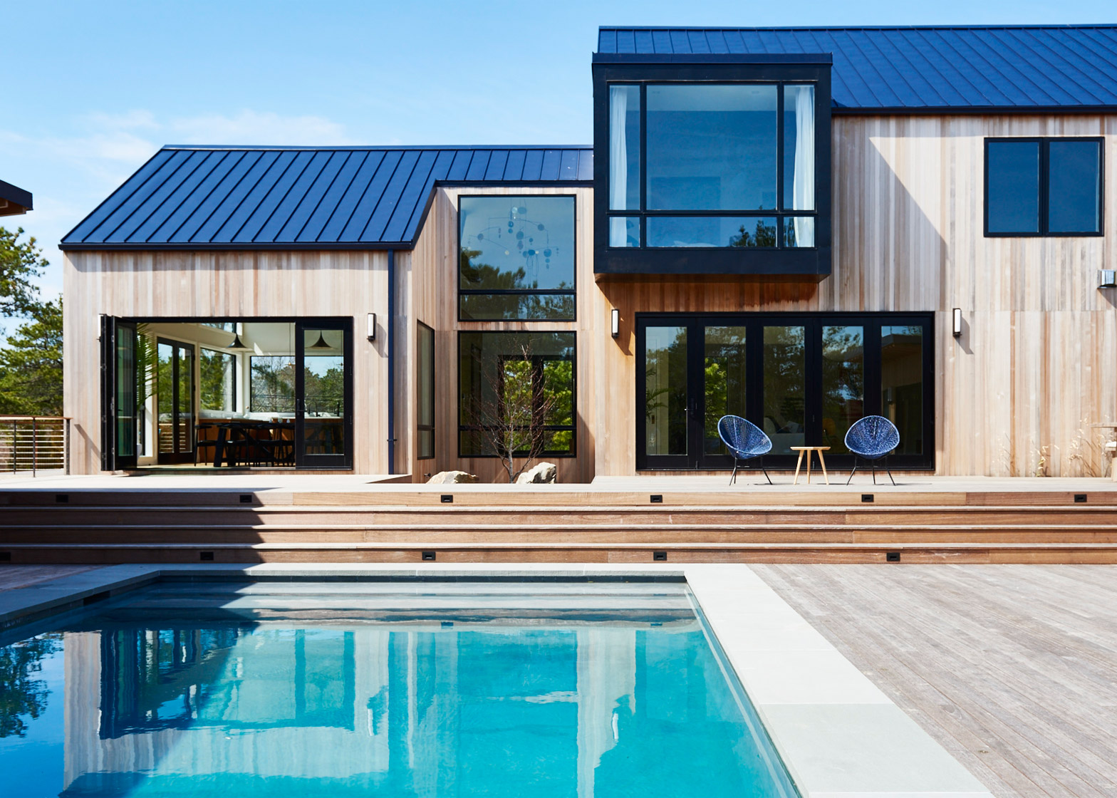 4 4m Eco Luxurious Beach House In Amagansett Sits Next
