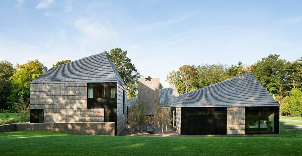 Bates Masi + architects, wooden home, Underhill, Quaker inspiration, Matinecock, gable roof home, interconnected pavilions