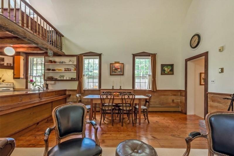 2 Moffat Road, upstate, schoolhouse. living room