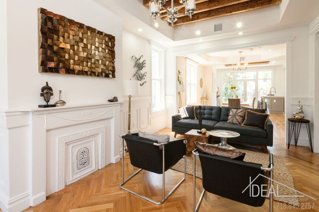 15M Bushwick townhouse charms with its blend of modern and