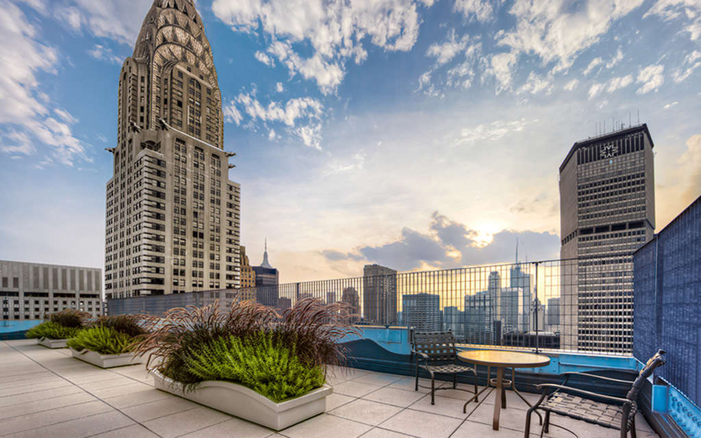 The Metropolis at 150 East 44th Street
