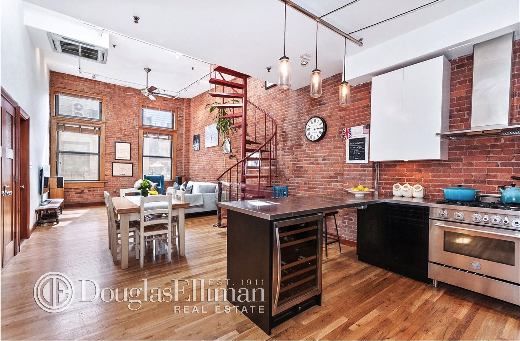 Duplex loft in tribeca boasts a 500 square foot for 500 sq ft house with loft