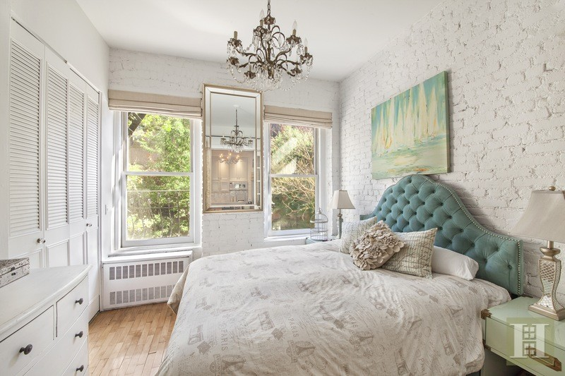 cozy 725k co op in the west village could be your own sex and the city apartment 6sqft. Black Bedroom Furniture Sets. Home Design Ideas