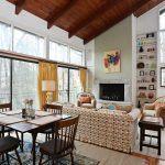 21 Beverly Warren Road Living room