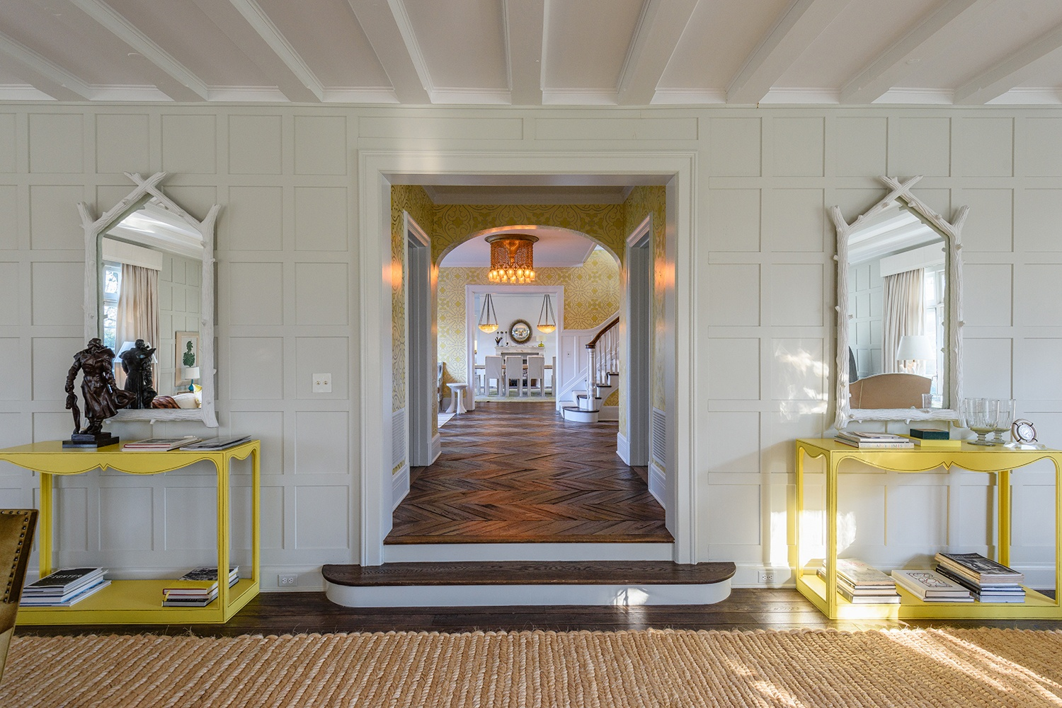 Jacqueline-Kennedy-Onassis-summer-estate-121-Further-Lane-hall