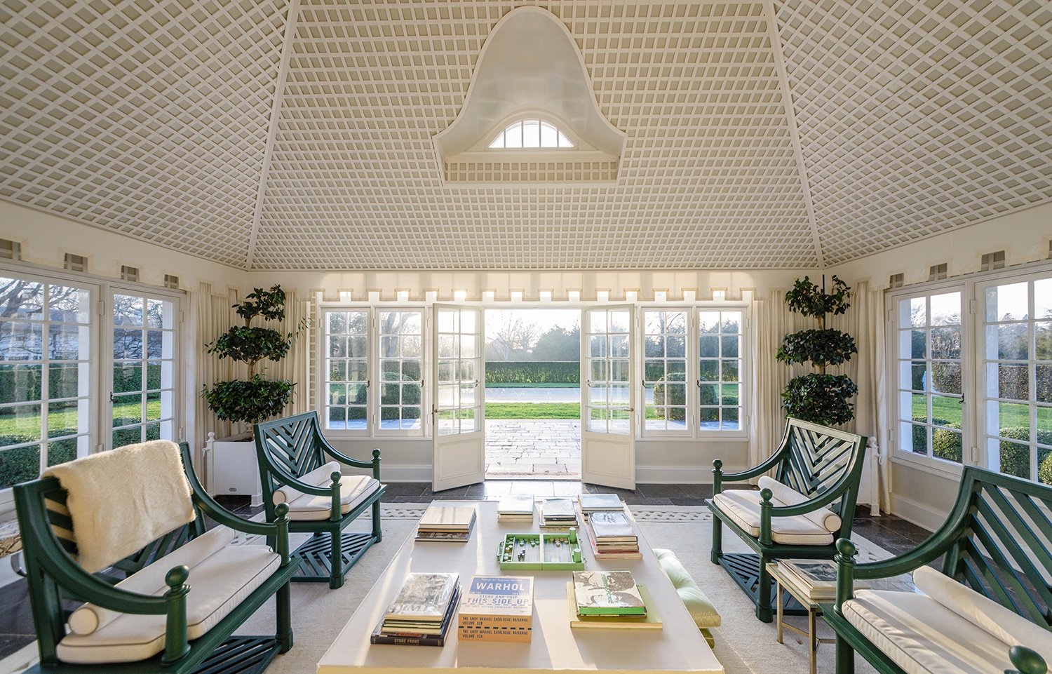 Jacqueline-Kennedy-Onassis-summer-estate-121-Further-Lane-sun-room