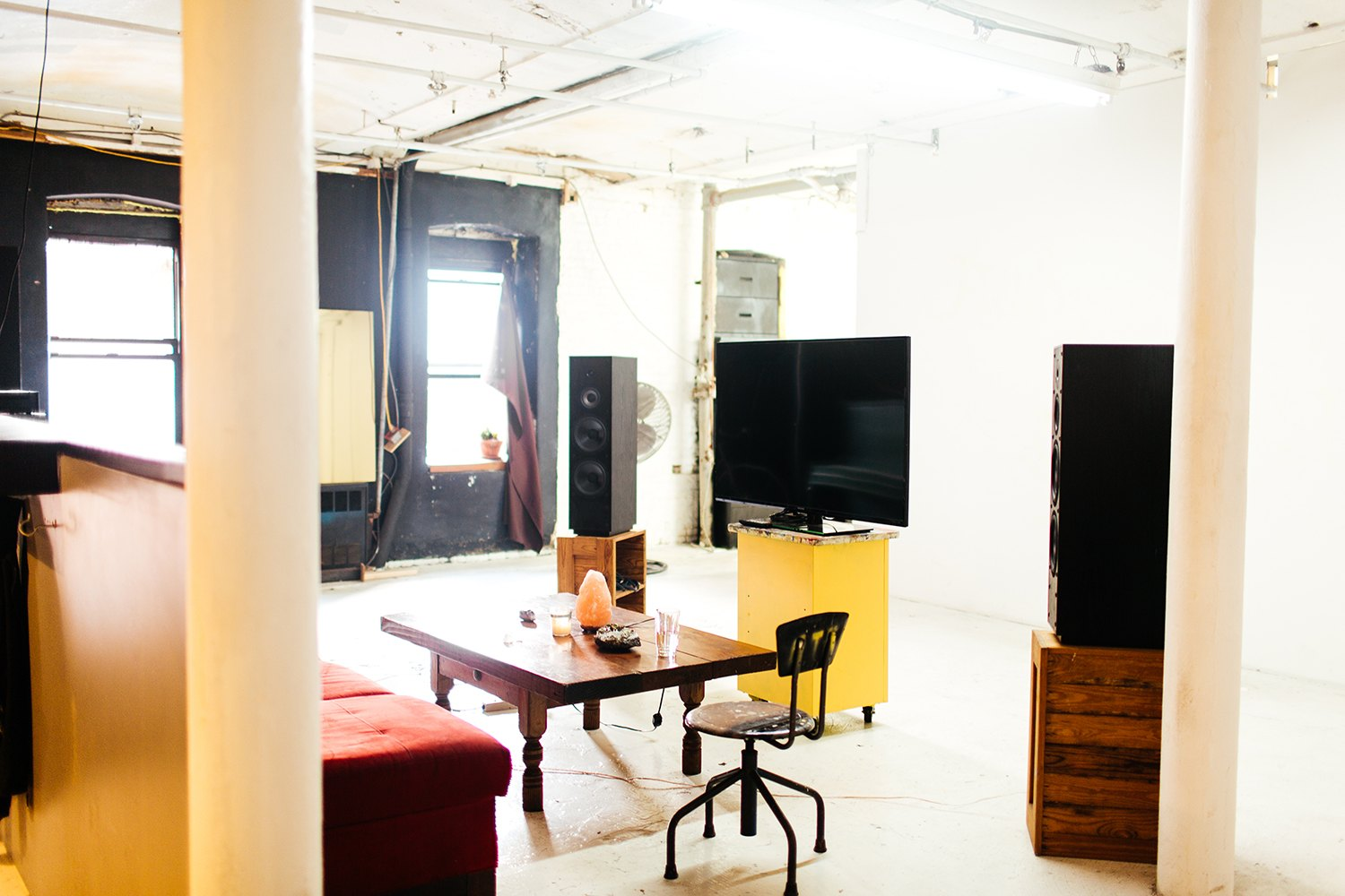 Artist-Chad-Lewine-Brooklyn-Navy-Yard-Loft-living