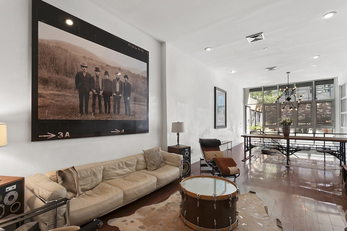 550 grand street - living