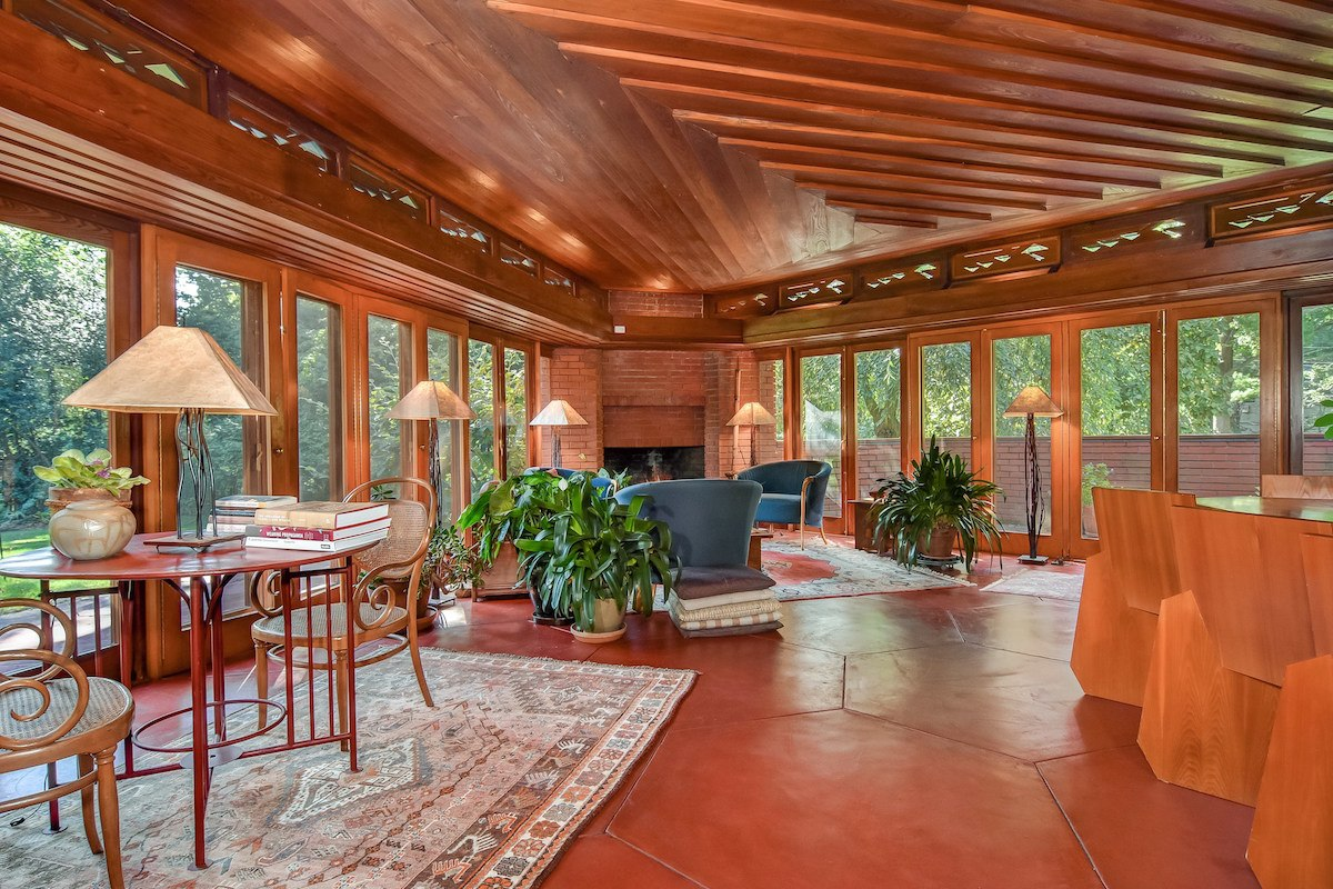Hexagonal Frank Lloyd Wright Usonian House For Sale For